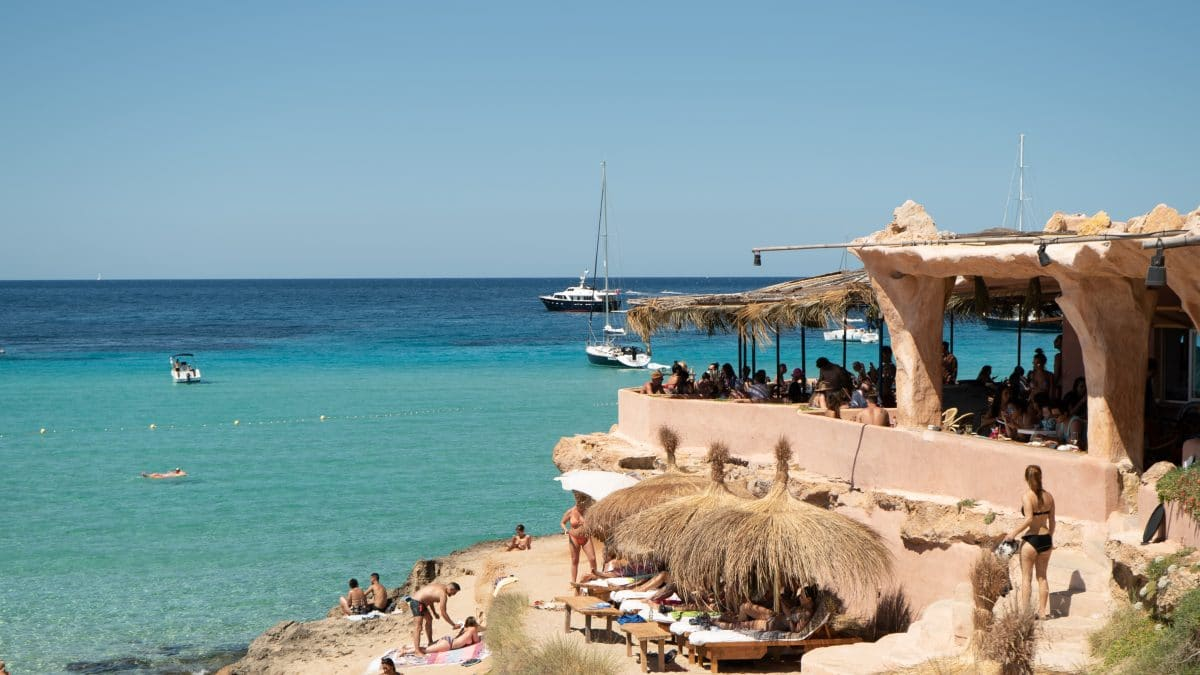 Cala Comte: the beach you won't ever want to leave - Secret